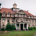 Pałac, BW
